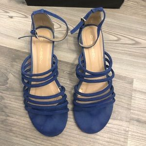 C. Label Coco Blue Strappy Suede Sandals 8